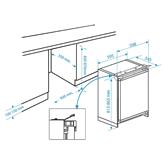 Интегрируемый холодильник Beko / 82 см